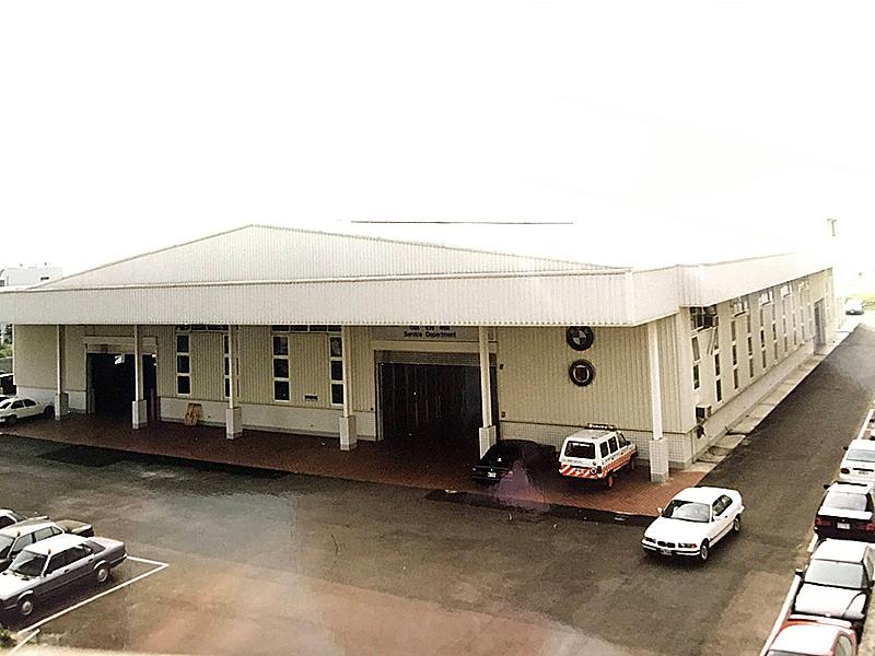 從我三樓辦公室俯瞰符合 BMW 標準的全功能服務廠